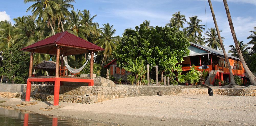 Barriga-feliz-surf-camp-nias-sorake2