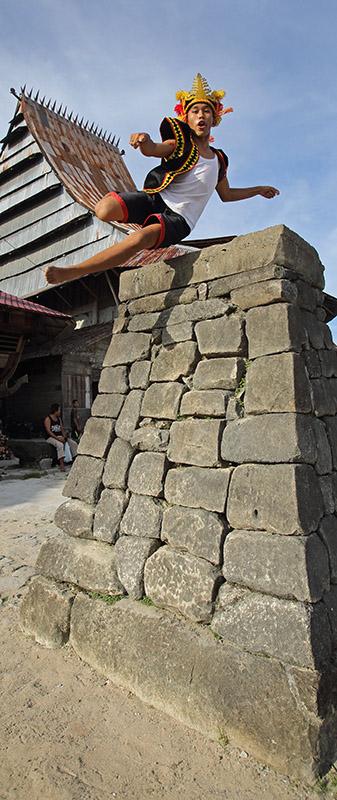 Lompat-batu-stone-jumping-nias-island