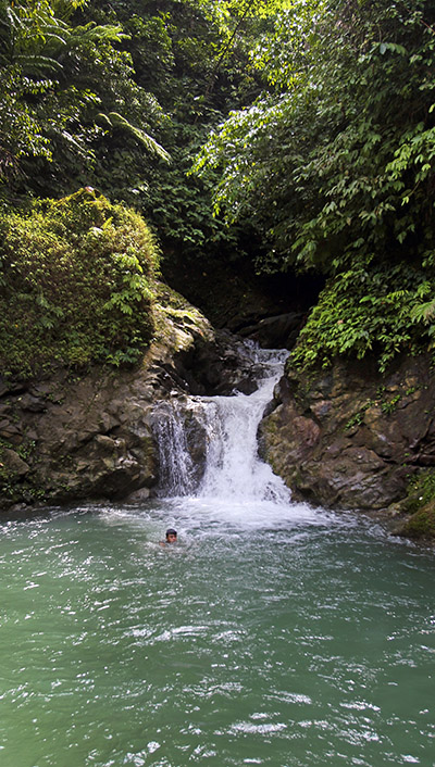 Somali-waterfall-south-nias