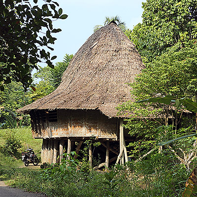 Traditional-house-gunungsitoli-nias