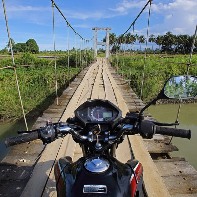 The best way to explore Nias is on a motorbike. In many remote areas this is the only way to get around.