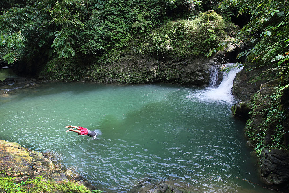 Somali swimming hole and rapids near Onohondrö village, South Nias