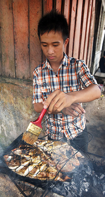 Ikan Bakar (grilled fish) is very popular on Nias.