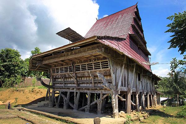 Rumah Adat Sifaoro'asi Gomo